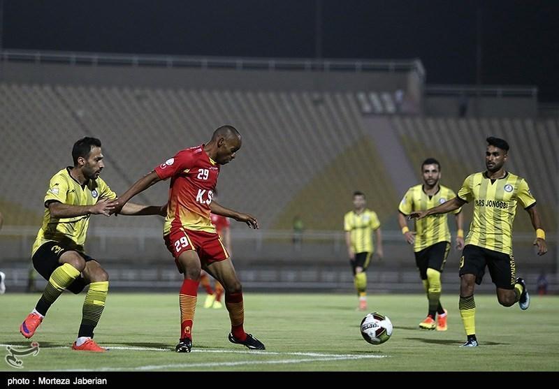 لیگ برتر فوتبال، رجحان فولاد مقابل پارس در نیمه نخست